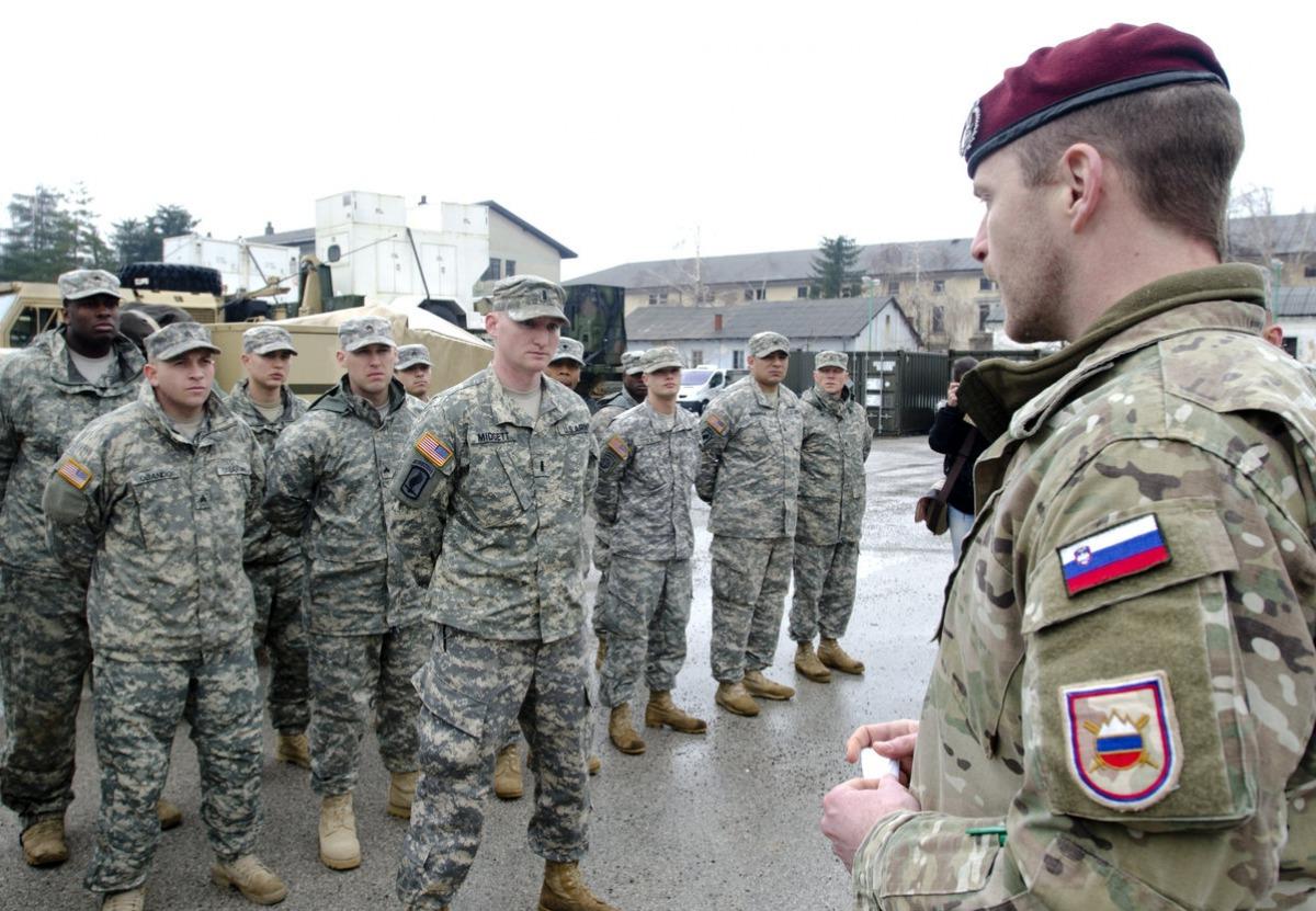Szlovénia ismét bevezetheti a sorkatonai szolgálatot